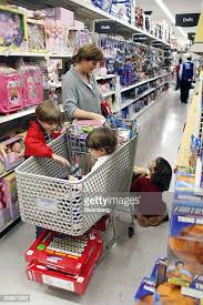 Terrie Gleason keeps an eye on her kids Anna, right, Christopher in ...