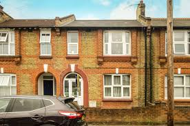 3 Bedroom House For Sale In South Wimbledon