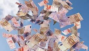 Risultati immagini per immagini di soldi ai partiti