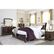 Sturdy Bedroom Furniture Contemporary Bedroom Set Brown Wood Material Simple Sturdy