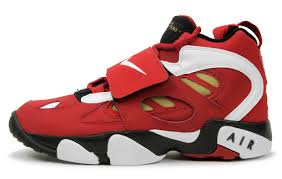nike 49ers shoes. if your a san francisco 49ers fan than these nike air diamond turf ii \u201c49ers\u201d would match perfectly with the new nfl x apparel. shoes