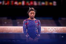 Simone Biles pulls out of floor competition