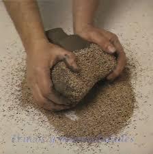 Resultado de imagen de niños amasando arcilla, arena