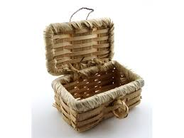 woven basket with lid. Dolls House Picnic Hamper Wicker Woven Basket With Lid Miniature Accessory LT I
