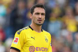 Hummels reveals what Dortmund need to do to become a 'top team' & urges  them to 'wake up'