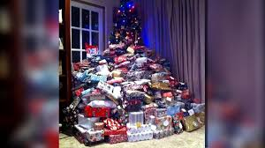 Picture of Christmas Tree, Presents Goes Viral - NBC 5 Dallas-Fort ...