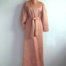 Best Quilted Robe Products on Wanelo & Vintage 1970s House Coat Peach Gold Metallic Quilted Morning House Robe Med Adamdwight.com