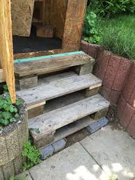 Dabei können außentreppen aus den verschiedensten materialien bestehen. Spielhaus Treppe Aus Paletten Paletten Garten Garten Garten Terrasse
