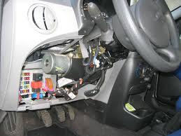 ausbau der hauptplatine eines fiat punto servomotors fiat punto grande fuse box layout at Fiat Punto Fuse Box