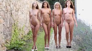Quatro gatas ninfetas mostrando o cu Xvideos Porno Gr tis