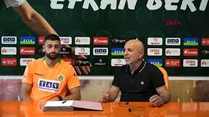 Son dakika haberleri... SPOR Alanyaspor, Efkan Bekiroğlu'na 4 yıllık imzayı  attırdı - Haberler