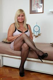 Mature and pantyhose lovers