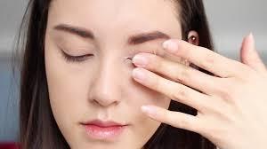 how to create a natural eye makeup cara delevigne natural bronze makeup tutorial step