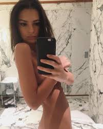 Emily Ratajkowski Naked TheFappening