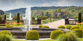 one of tham s most striking features is its abun of fountains and indeed their scale in the italian garden there are 7 fountains