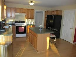 what color to paint kitchen with oak cabinets and green counters cn17