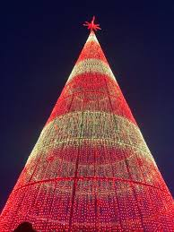 Wow Lights Mega Tree Mile High Tree Featuring 60 000 Strands Of Led Lights