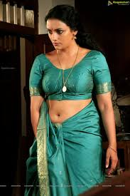 Download Hot Pic s Swetha Menon Latest Navel Show in Rathinirvedam
