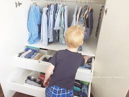 Stell dir das kinderzimmer mit möbeln, bettwäsche, spielzeug und co. Wunschkind Herzkind Nervkind Die Vorbereitete Umgebung Der Kinder Kleiderschrank