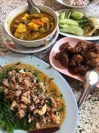 รีวิว ยายปวด - ร้านอาหารบ้านๆธรรมดา แต่รสชาติ ดีมากกกกก  ได้อารมณ์กินข้าวที่บ้าน เป็นรสชาติอาหารใต้ที่อร่อยมาก - Wongnai