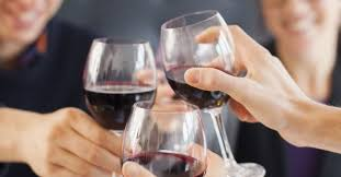 Resultado de imagem para Beber vinho faz muito bem para o funcionamento do seu cérebro