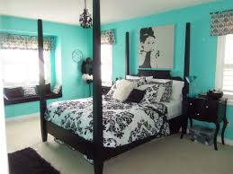 bedroom decorating ideas with black furniture. Bedroom Decorating Ideas With Black Furniture Light Brown Wooden Flooring Dark Platform Bed Simple Tan Wall Paint Single Seater Sofa T