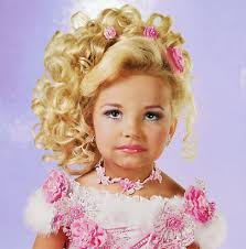 beauty pageants and children should beauty pageants for children whether one decides to enter their son or daughter in a pageant should only be done so after careful consideration to the well being of their child
