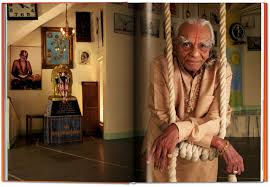 michael o neill on yoga the architecture of peace michael o neill ed stern h h swami chidanand saraswatiji 9783836557986 amazon books