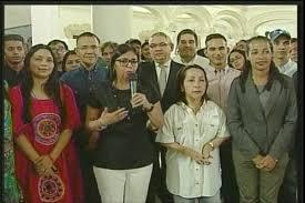 ¡PARA TORTURARNOS! Delcy Eloína anunció que colocarán exposición de fotos de Maduro en todas las plazas Bolívar