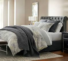 Color Taupe and Grey in a Cozy Bedroom ...