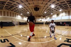 lebron james house inside basketball court. Oculus VR LeBron Christmas Gift To On Lebron James House Inside Basketball Court
