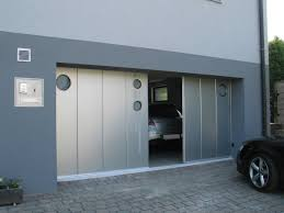 Sliding Garage Door - Wageuzi