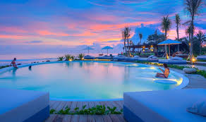 Infinity pool beach house Deep Pool With Mount Agung Behind You And Pumping Waves In Front Of You The Beachfront Infinity Pool At Komune Beach Club Is Sight To Be Seen Indeed Mathazzarcom Balis 30 Best Infinity Pools With Breathtaking Views Honeycombers