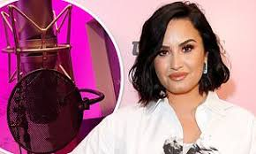 Demi Lovato Uk Charts Demi Lovato Reveals That Shes Recording New Music For Her