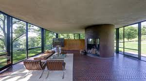 The Glass House, by Philip Johnson, in the forests of Connecticut |  Magazine Belles Demeures