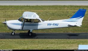VH-YHU | Cessna 172S Skyhawk | Airflite | Dallas Presser | JetPhotos