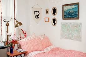 image of dorm room wall decor design