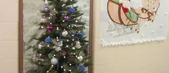 Decorate office door for christmas Craziest Decorate Office Door For Christmas Best Door Decorations Images On Office Door Christmas Decorations Pinterest Christmas Office Door Decorations Gallery Beautiful Diy