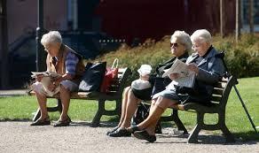Čeští senioři chtějí cestovat, kanceláře s nimi začínají počítat | E15.cz