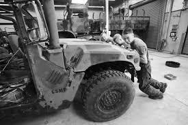 life as a mechanic clr marine keeps trucks running > st marine hi res photo