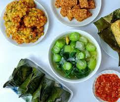 Seperti berikut ini beberapa resep masakan rumahan yang bisa kamu tiru untuk disajikan pada keluarga tercinta. 10 Menu Masakan Sehari Hari Keluarga Paling Favorit