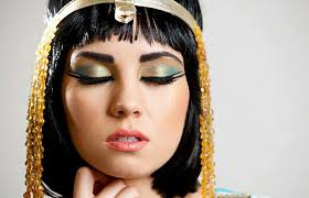 the first time we discovered that the people of ancient egypt not only wore makeup on their faces but in fact made their cosmetics was in 10 000bc