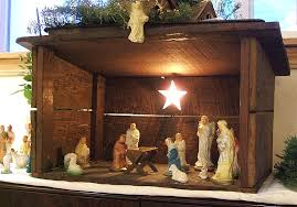 my pas nativity set was almost entirely dime plaster figures in a stable