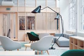 En lugar de ello, el decorador de interiores miami se centra en el tratamiento de los muebles, paredes y piso con toques artísticos que ofrecen ambientación y atmósfera al espacio interior. Design De Interiores Curso Salario E Mercado De Trabalho