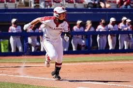 Women's college world series | live. Ou Softball Sooners 40 Game Win Streak Snapped In 7 6 Loss To Georgia In 9 Innings Sports Oudaily Com