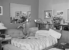 Elegant Marilyn Monroe Bedroom