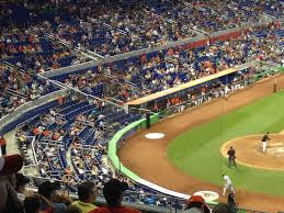 Phillies Seating Chart Diamond Club Miami Marlins Club Seating At Marlins Park Rateyourseats Com