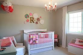Modernes Baby Kinderzimmer Ideen Mit Weiß Kinderbett Rosa
