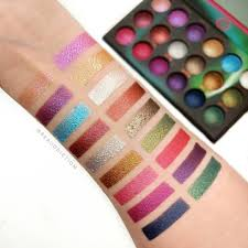 Aurora Lights 18 Color Baked Eyeshadow Palette Pinterest