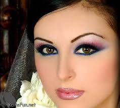 in this arabic party make up the main focus in on eyebrows style its so thin